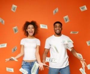 20190926_112224_1569325686804_couple_w_money2